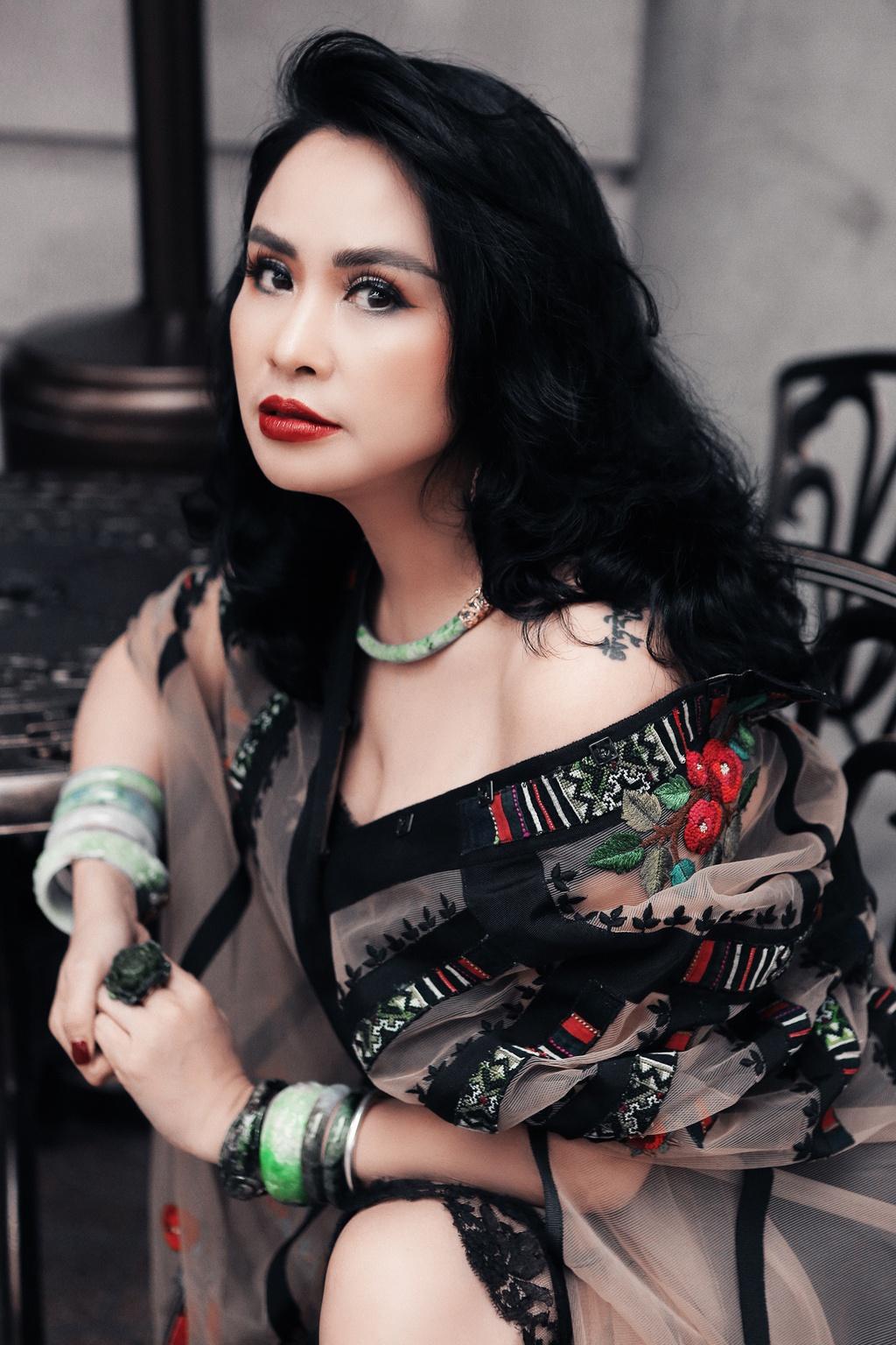 Diva Thanh Lam chia sẻ về bạn trai và tình yêu ở tuổi 51
