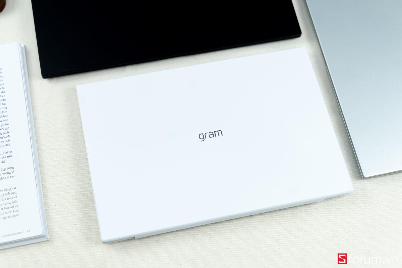 Trên tay nhanh chiếc laptop siêu mỏng siêu nhẹ LG Gram 2021 14 inch